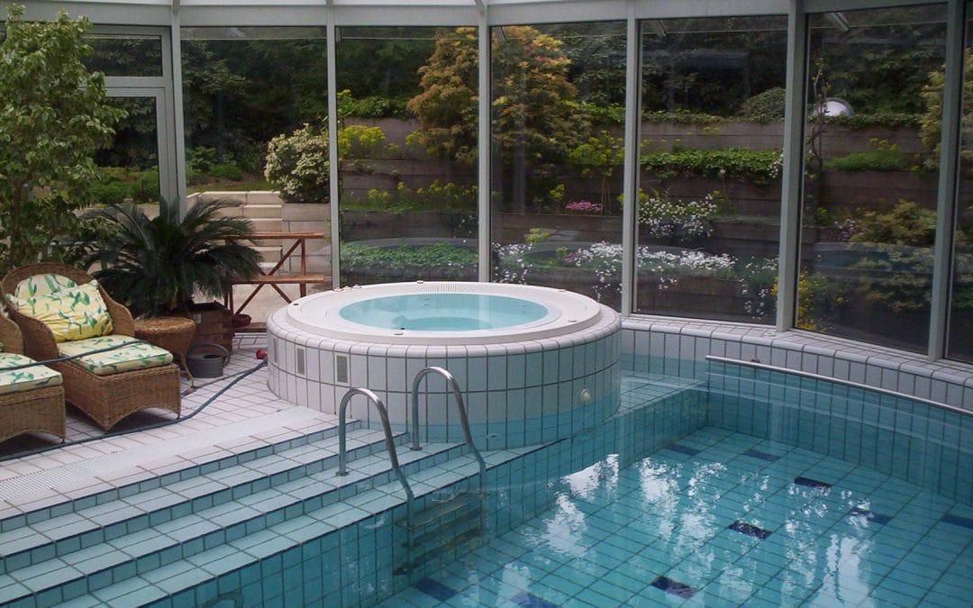 Buiten zwembad & whirlpool, Mook